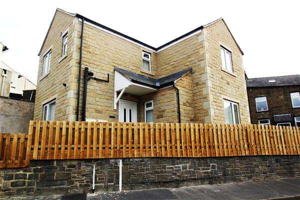 3 Bedrooms Detached House for sale in Brae House, Bright Street, Sowerby Bridge