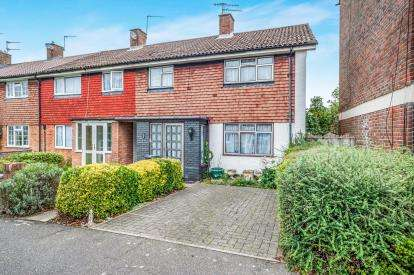 3 Bedrooms End Of Terrace House for sale in Fennycroft Road, Hemel Hempstead, Hertfordshire