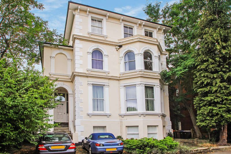1 Bedroom Flat for sale in Uxbridge Road, Kingston Upon Thames