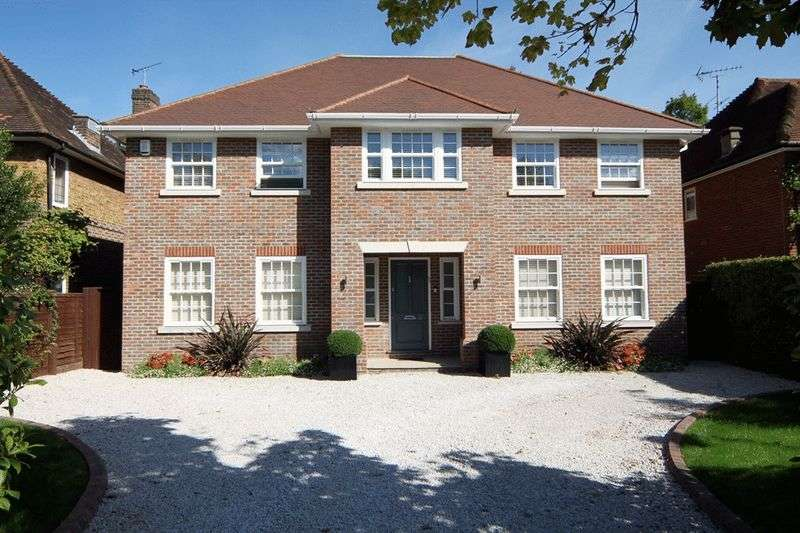 6 Bedrooms Detached House for sale in Bentley Way, Stanmore