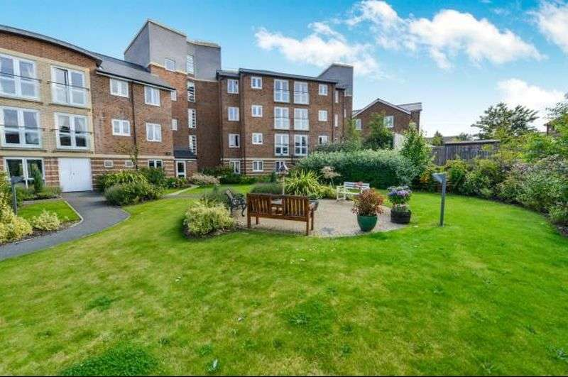 1 Bedroom Flat for sale in Malpas Court : NO CHAIN : Independent living with tailored care if required !