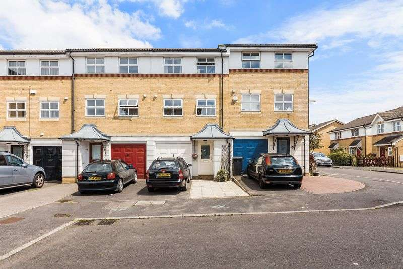 3 Bedrooms Terraced House for sale in Turle Road, London