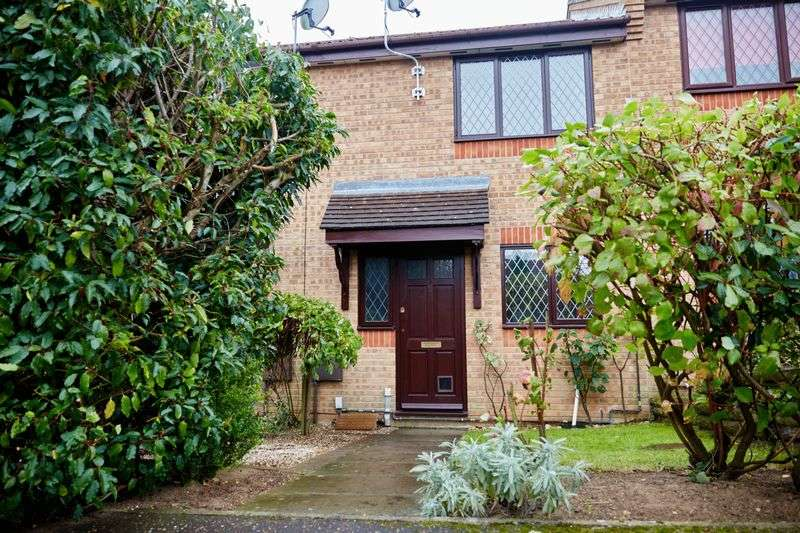 2 Bedrooms Terraced House for sale in Snowberry Close, Norwich