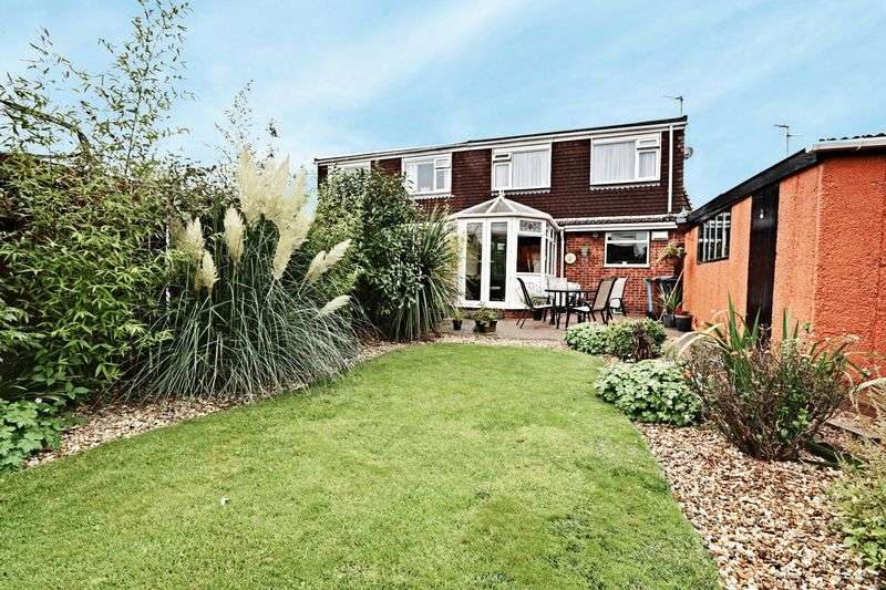 3 Bedrooms Semi Detached Bungalow for sale in Bretherdale, Sutton Park