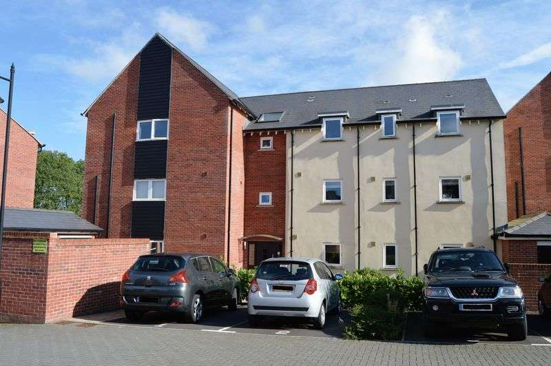 2 Bedrooms Flat for sale in Maple Road, Shaftesbury