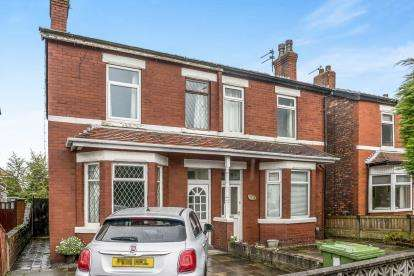 2 Bedrooms Semi Detached House for sale in Rufford Road, Southport, Merseyside, Uk, PR9