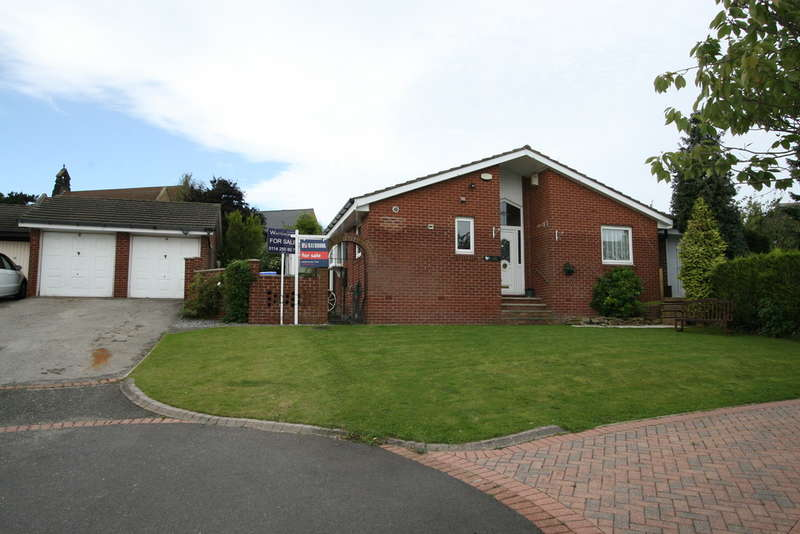 4 Bedrooms Detached Bungalow for sale in Grassington Close, Hackenthorpe