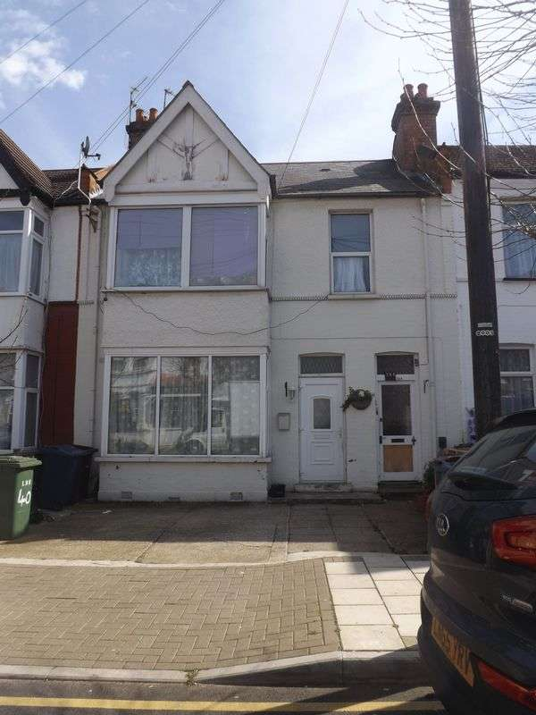 2 Bedrooms Flat for sale in Greenhill Road, Harrow-On-The-Hill, Middlesex, HA1 1LD