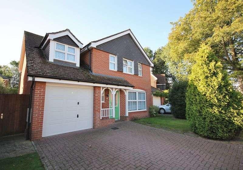 5 Bedrooms Detached House for sale in Dean Way, Storrington