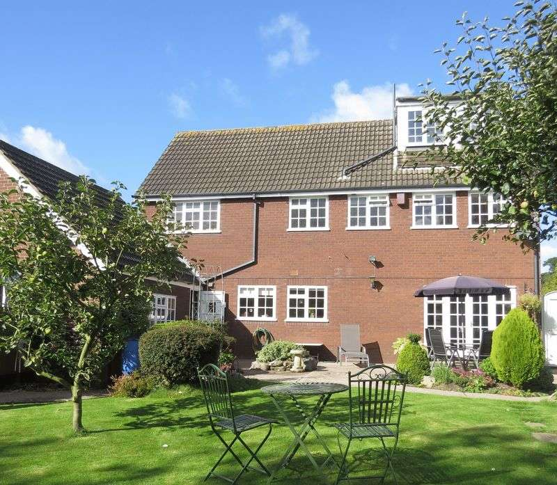 6 Bedrooms Detached House for sale in Allens Croft, Marchington