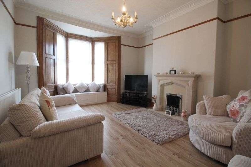 2 Bedrooms Flat for sale in Dean Road, South Shields