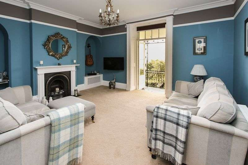 2 Bedrooms Flat for sale in Highdale Road, Clevedon