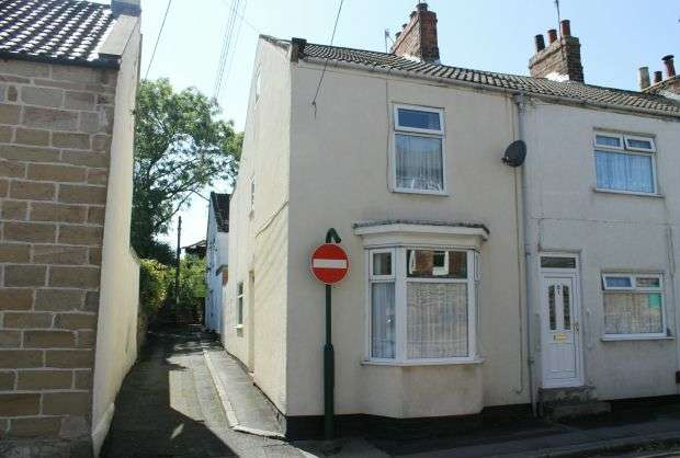 3 Bedrooms Terraced House for sale in Hewitts Buildings, Guisborough