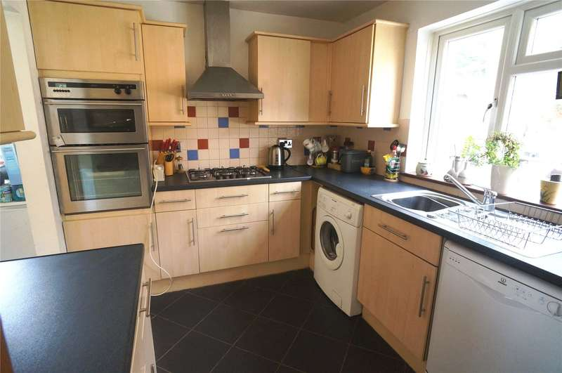 3 Bedrooms End Of Terrace House for sale in Laburnum Road, Rochester, Kent, ME2