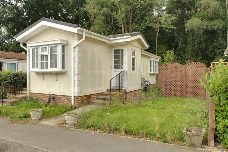 2 Bedrooms Mobile Home for sale in Duffins Orchard, Ottershaw, Surrey, KT16
