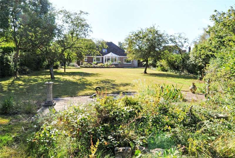 3 Bedrooms Detached Bungalow for sale in Boughton Hall Avenue, Send, Woking, Surrey, GU23