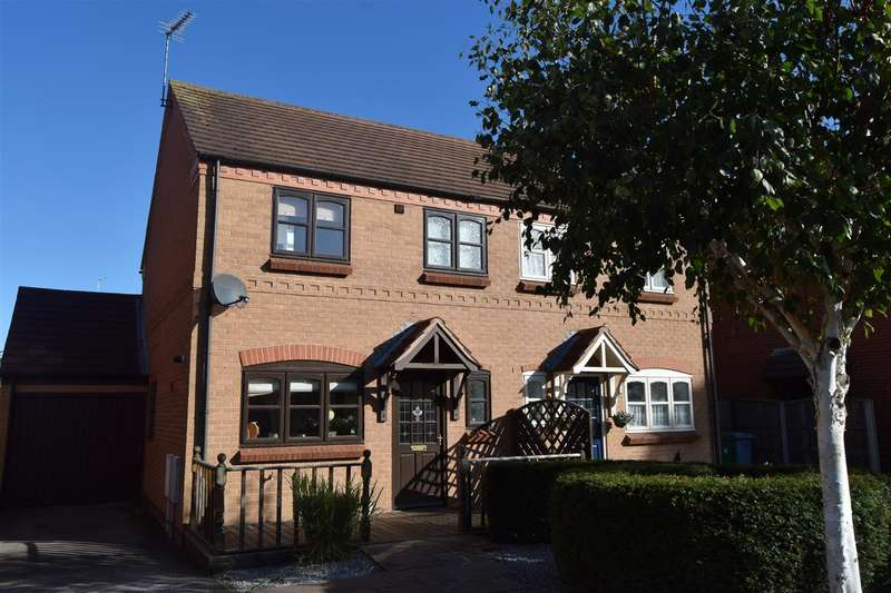 3 Bedrooms Semi Detached House for sale in Sandhills Park, Newark