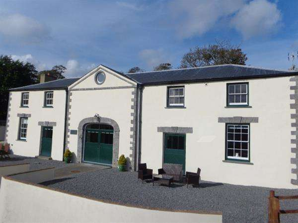 4 Bedrooms Detached House for sale in The Coach House, North Down, Lamphey, Pembroke