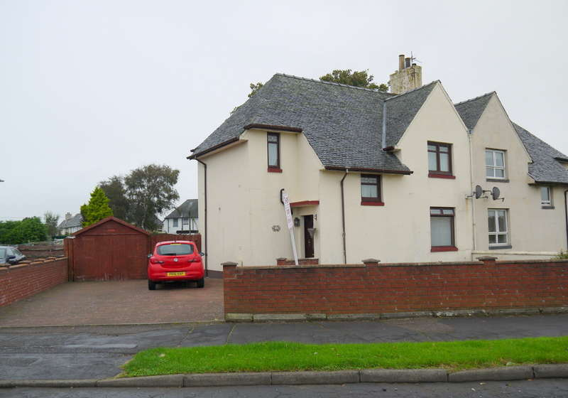 3 Bedrooms Semi Detached House for sale in St. Quivox Road, Prestwick, KA9