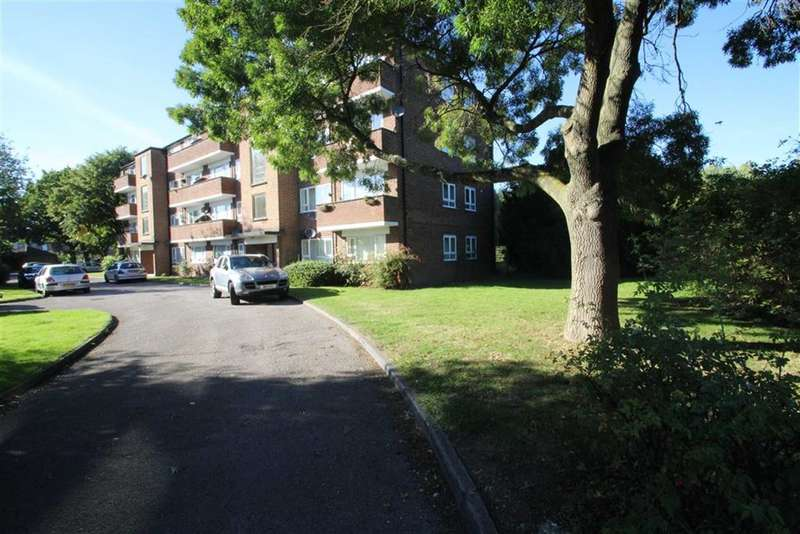 2 Bedrooms Flat for sale in Poplar Court, Northolt