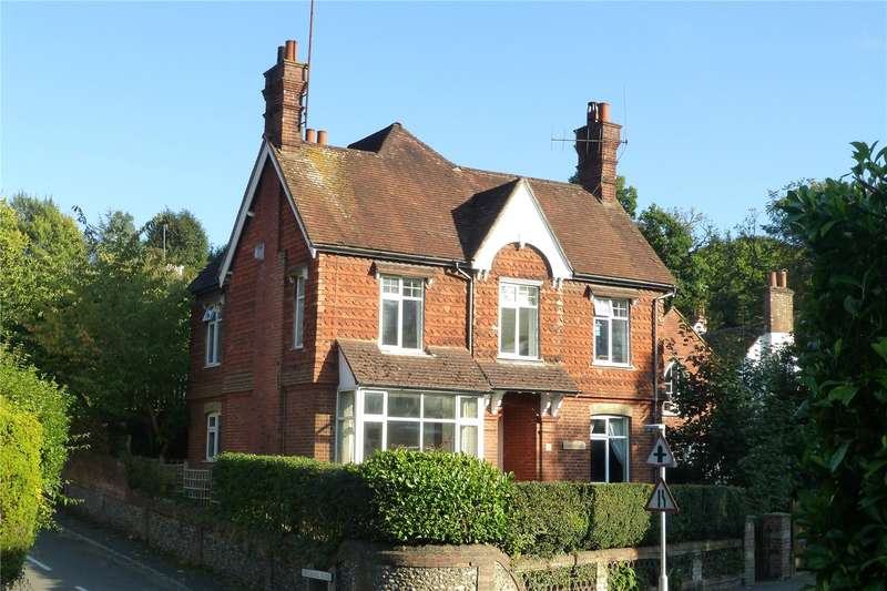 4 Bedrooms Detached House for sale in Horsham Road, Dorking, Surrey, RH4