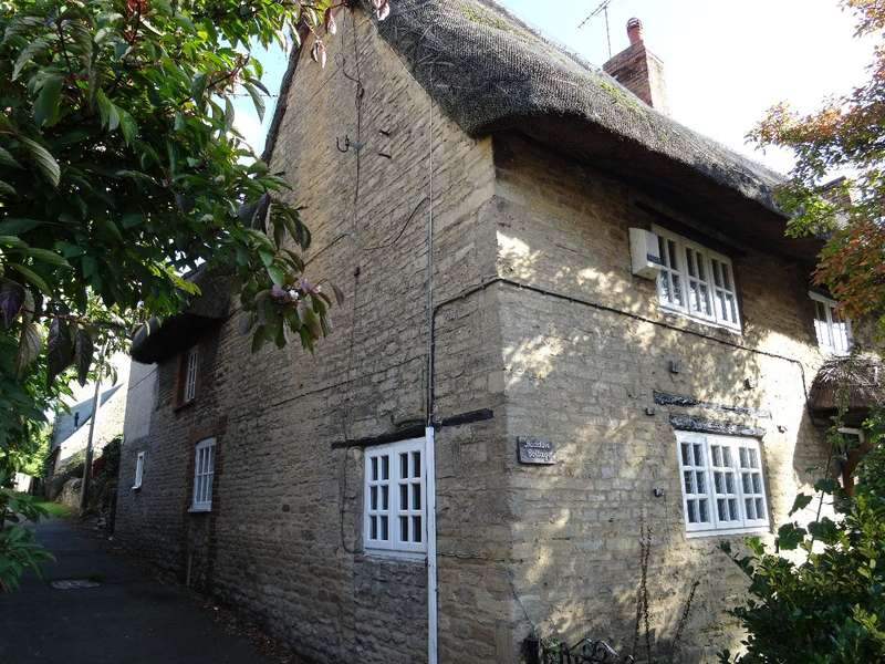 3 Bedrooms Cottage House for sale in HIGH STREET, LAVENDON