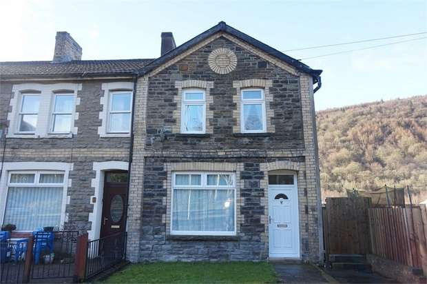 2 Bedrooms Semi Detached House for sale in Canal Terrace, Abercarn, NEWPORT, Caerphilly