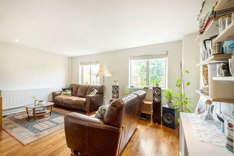 2 Bedrooms Maisonette Flat for sale in Wornington Road, North Kensington, London, W10