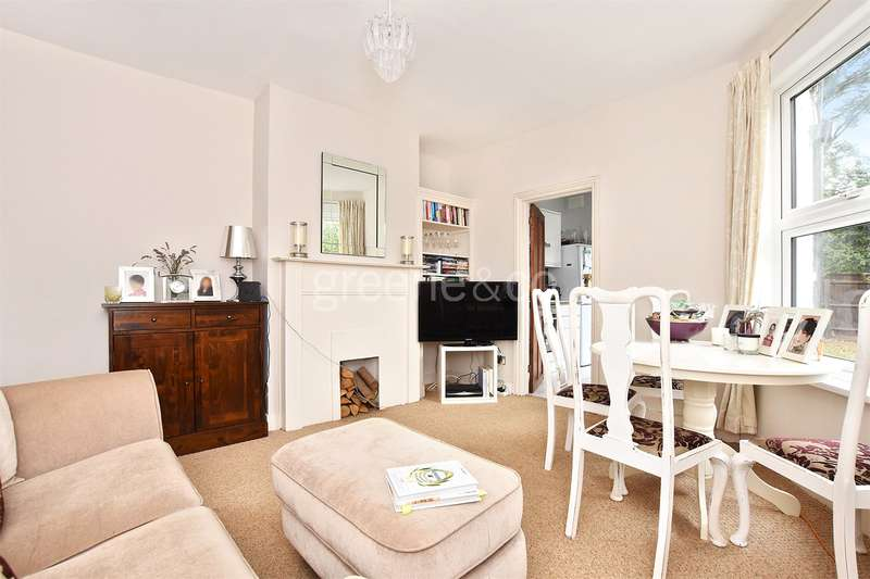 2 Bedrooms Flat for sale in Willingdon Road, Turnpike Lane, London, N22