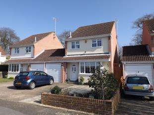 3 Bedrooms Detached House for sale in Juniper Close, Worthing, West Sussex
