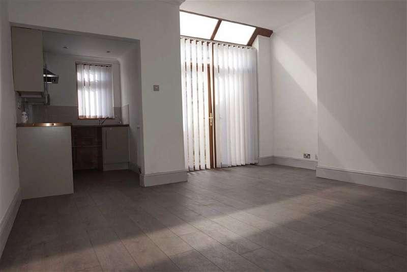 2 Bedrooms Property for sale in Jepson Street, Darwen, Lancashire