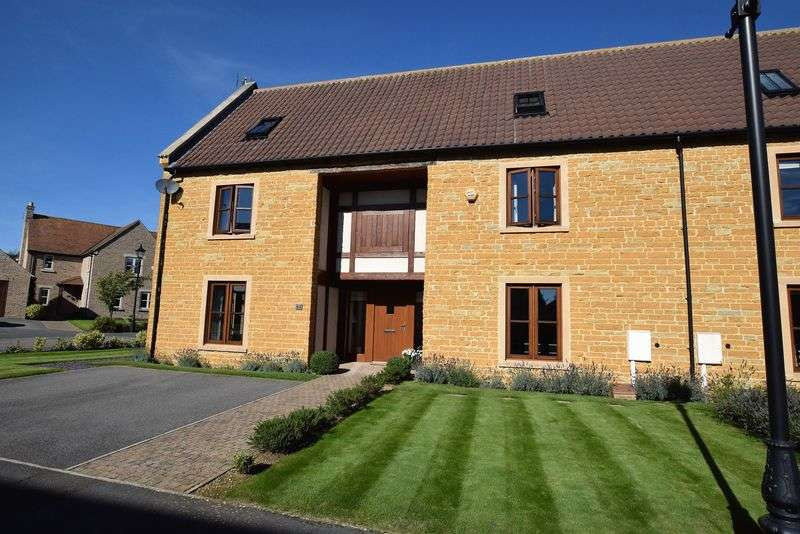 5 Bedrooms Semi Detached House for sale in Old Manor Gardens, Wymondham