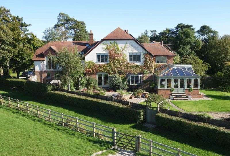 5 Bedrooms Detached House for sale in Long Crendon, Buckinghamshire