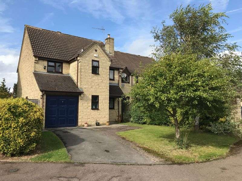 4 Bedrooms Detached House for sale in Michaels Mead - Cirencester - GL7