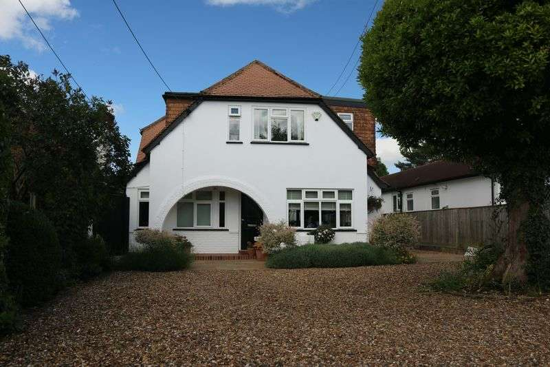 5 Bedrooms Detached House for sale in Woodlands Road, Bookham