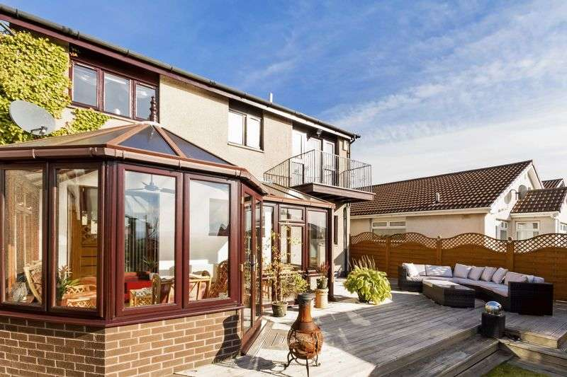 4 Bedrooms Detached House for sale in Hailes Place, Dunfermline