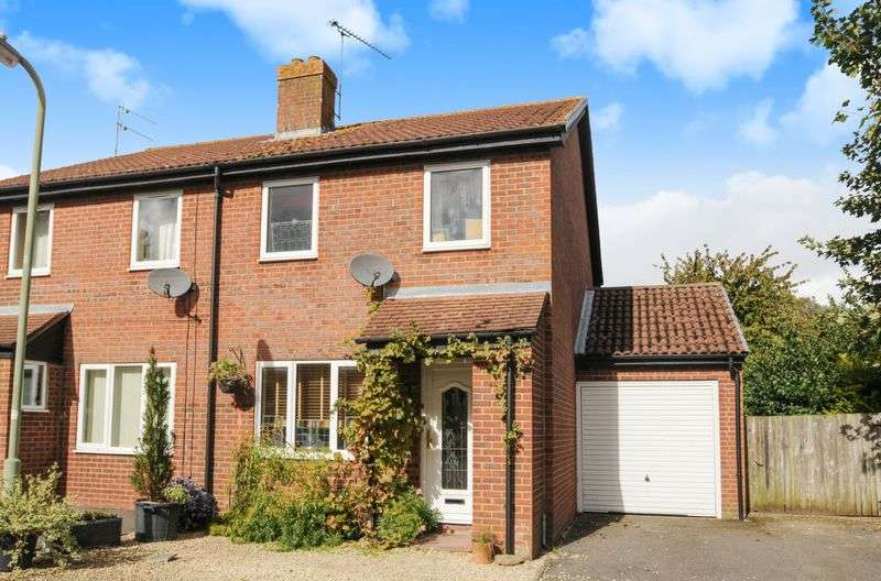 3 Bedrooms Semi Detached House for sale in Riley Close, Abingdon