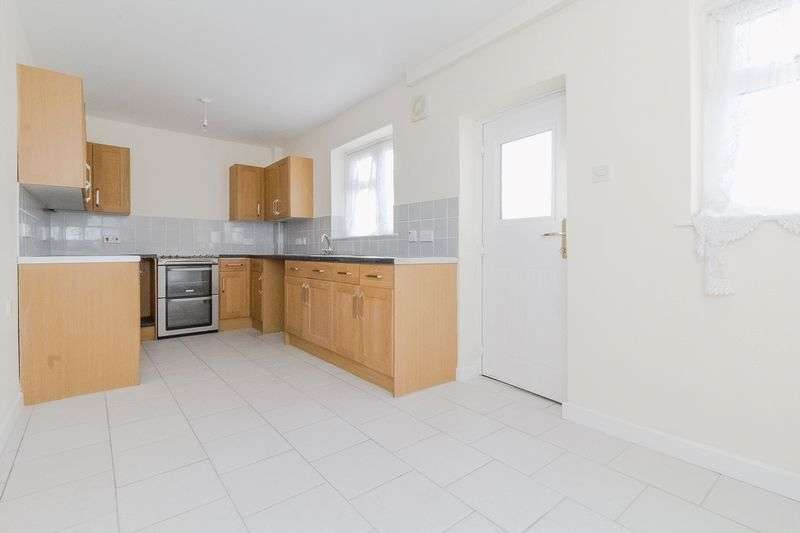 2 Bedrooms Semi Detached House for sale in Victoria Street, Sheerness
