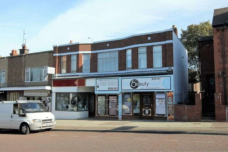 2 Bedrooms Flat for sale in High Street, Prestatyn