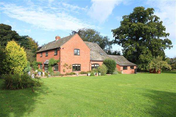 4 Bedrooms Country House Character Property for sale in The Lodge, Pengethley Manor, Ross-on-Wye