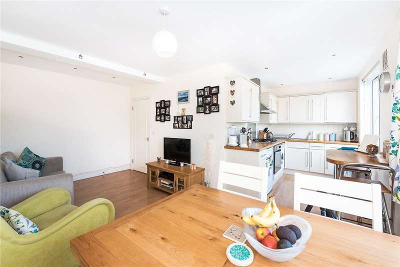 1 Bedroom Flat for sale in Tower Road, Strawberry Hill, Twickenham, TW1
