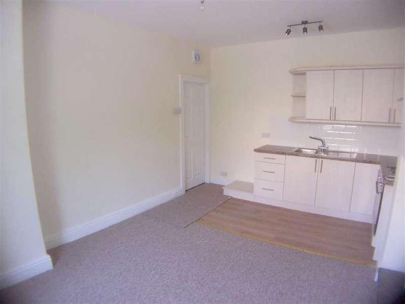 2 Bedrooms Property for sale in 43, Church Street, Longwood, Huddersfield