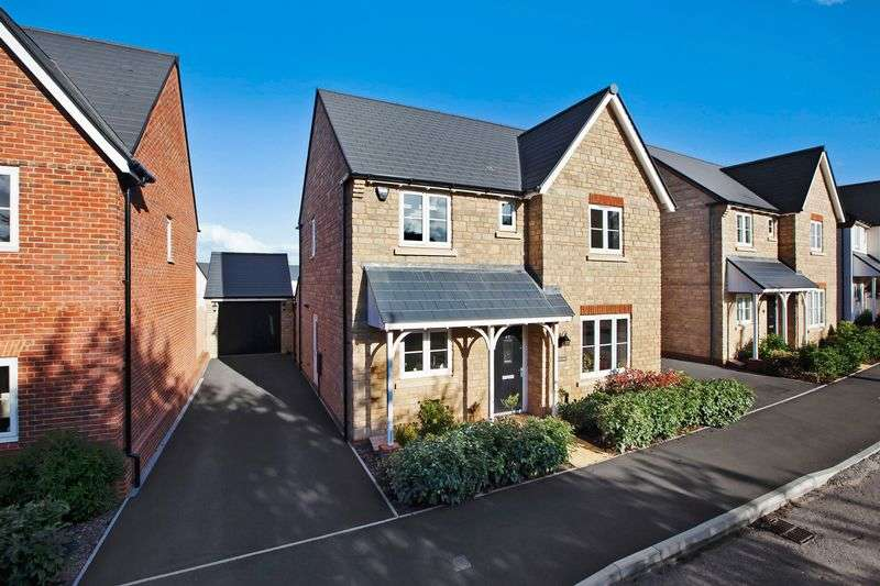4 Bedrooms Detached House for sale in Thomas Place, Wellington