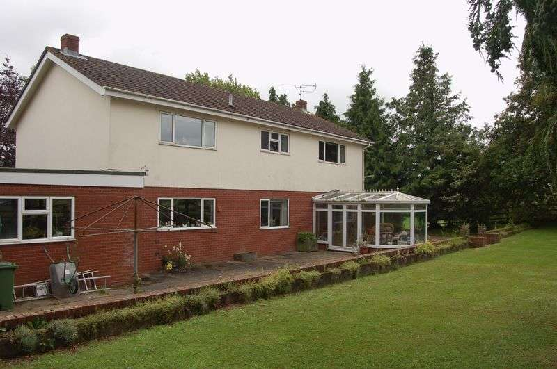 4 Bedrooms Detached House for sale in Hendre, Monmouth