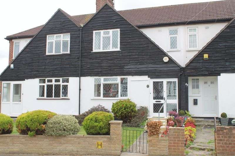 3 Bedrooms Terraced House for sale in Bedford Crescent, Enfield