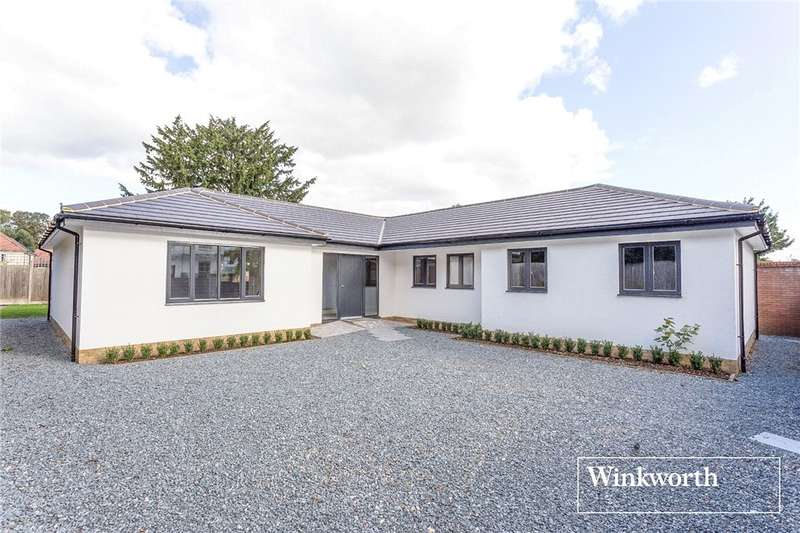 3 Bedrooms Detached Bungalow for sale in Torrington Park, North Finchley, London, N12
