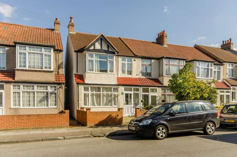 3 Bedrooms Terraced House for sale in Avenue Road, Streatham Vale, SW16