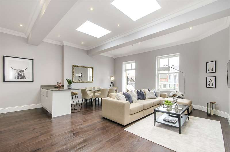 3 Bedrooms Flat for sale in St Johns Road, Battersea, London, SW11