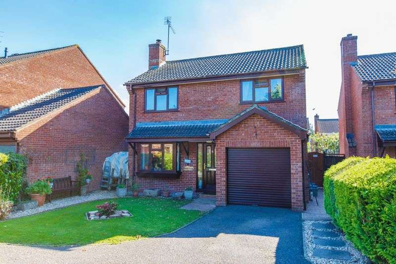 4 Bedrooms Detached House for sale in Rose Close, Tiverton