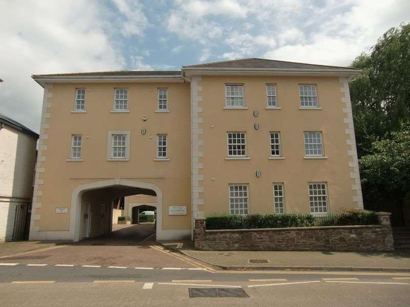 2 Bedrooms Flat for sale in Abergavenny, Monmouthshire